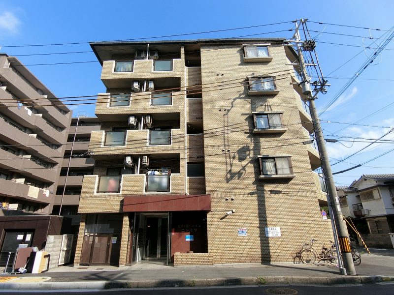 5階建てマンション♪(外観)